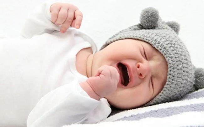 Rối loạn tiêu hóa, đầy hơi sẽ khiến bé mệt mỏi và bú kém
