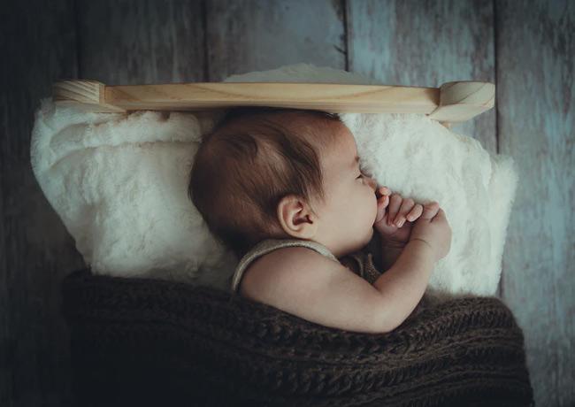 Mở nhạc giúp bé ngủ ngon hơn