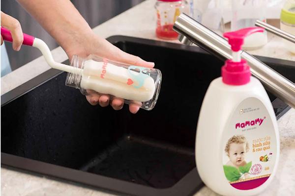 Nước rửa bình sữa có an toàn không sẽ phụ thuộc vào 4 YẾU TỐ này