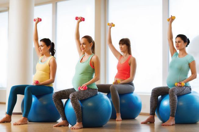 Những bài tập yoga nhẹ nhàng giục sinh cho các mẹ bầu
