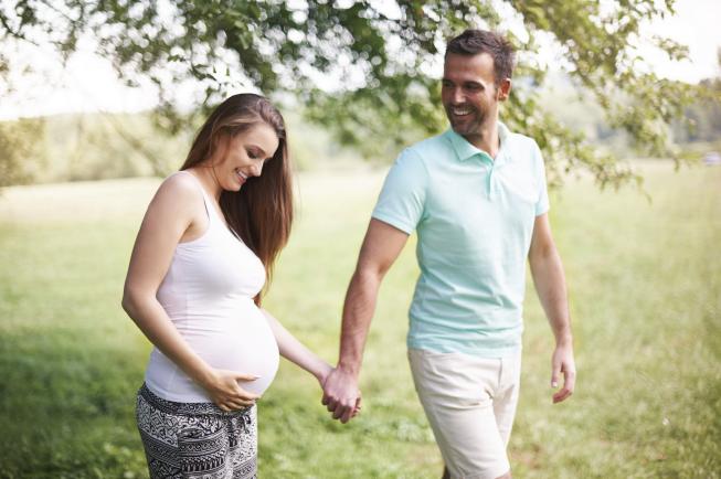 Mẹ bầu nên vận động nhẹ nhàng để sinh dễ hơn