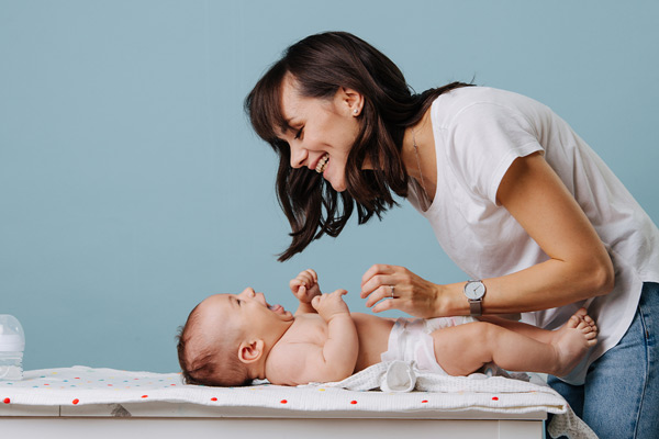 QUY TRÌNH chăm sóc em bé sơ sinh được nhiều mẹ áp dụng nhất
