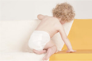 Mẹ có nên mặc tã quần cho bé 6kg không? Đâu là loại tốt nhất?