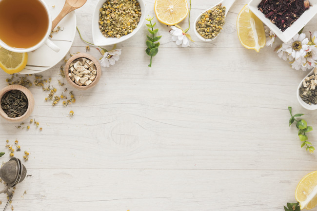 Theo quan niệm dân gian, các loại lá tự nhiên được sử dụng để làm thuốc chữa bệnh