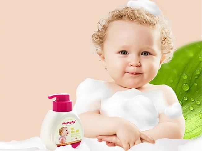 Mẹ ưu tiên chọn các loại bọt tắm gội có thành phần an toàn với da bé