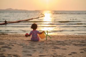 Bé 2 tuổi chậm đi: Mẹ thông thái cần chuẩn bị điều gì?