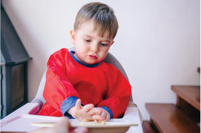 Việc mẹ không xây dựng một thực đơn ăn uống phù hợp, khoa học thường khiến bé bị chán ăn