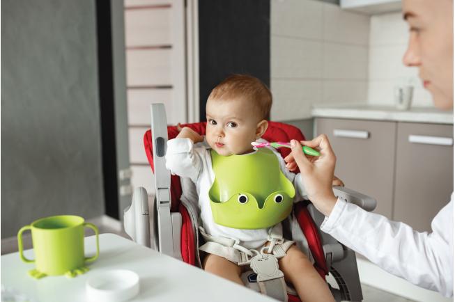 Bé 2 tuổi cũng thường hay mắc phải một số triệu chứng phát triển chậm