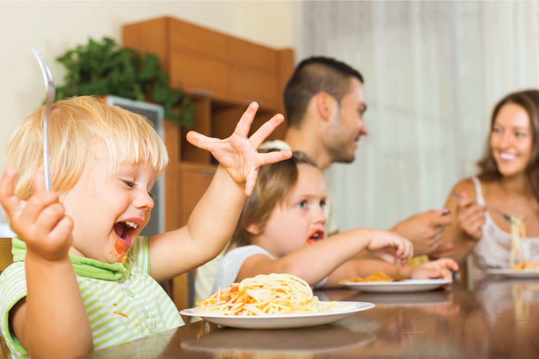 Chế độ ăn cho bé 2 tuổi chuẩn khoa học cập nhật mới nhất