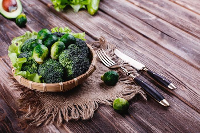 Các nghiên cứu chỉ ra rằng, dầu Rosmarinic được tìm thấy trong các loại rau xanh có tác dụng giảm dị ứng hiệu quả