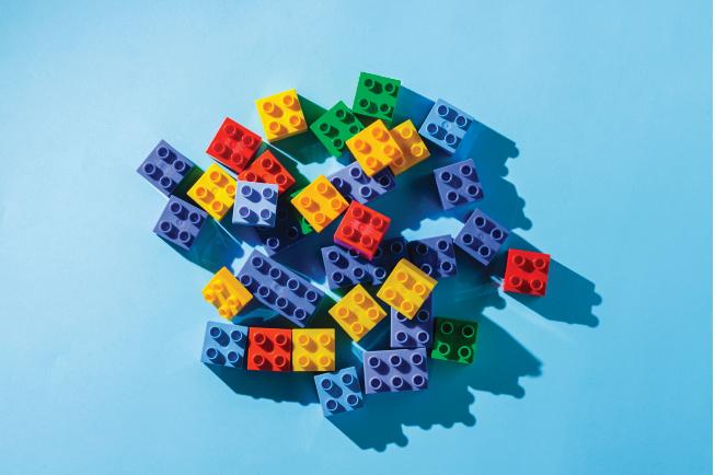 Các miếng ghép Lego chính hãng có màu sắc tươi sáng, đều màu, chi tiết được xử lý gọn gàng, không có nhựa thừa