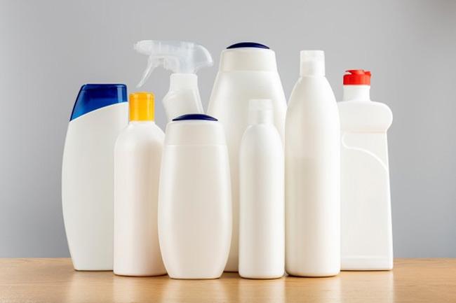 Có rất nhiều sản phẩm tẩy rửa bình sữa được bày bán trên thị trường