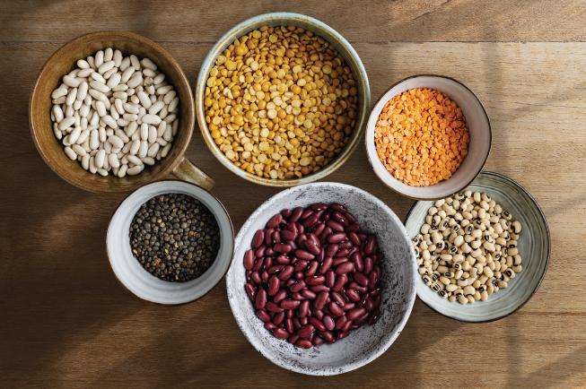 Đậu và các loại đậu khác là một trong những nguồn thực phẩm chứa nhiều protein và chất xơ