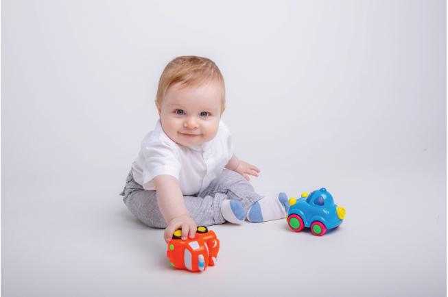 Mẹ nên chọn đồ chơi có chất liệu an toàn cho bé 2 tuổi
