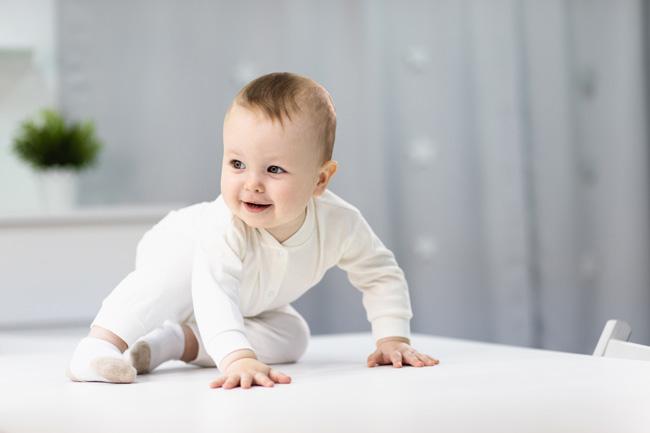 Xi bé đi vệ sinh không ảnh hưởng đến sức khoẻ của bé