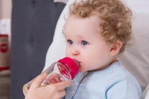 Bí quyết chọn bình sữa 240ml tốt nhất cho bé