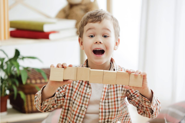 9 món đồ chơi bằng gỗ cho bé 3 tuổi phát triển toàn diện